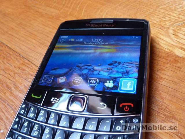 Blackberry 9700.