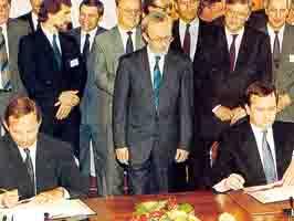 12 сентября 1990 года был подписан договор об объединении Германии