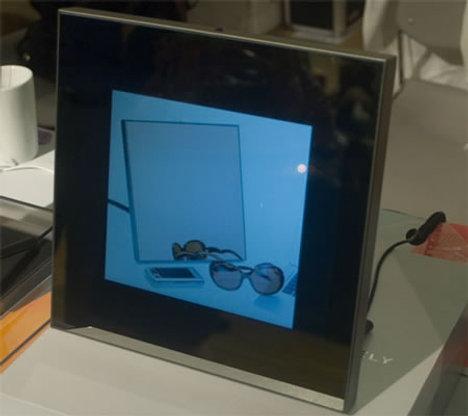 Первая цифровая фоторамка под управлением Android.