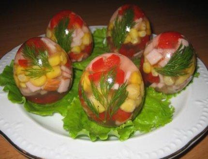 Заливные яйца (новогодние рецепты)