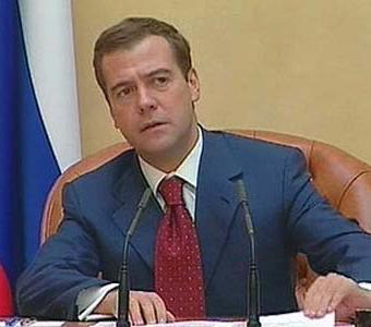 Дмитрий Медведев пообещал в Facebook встретиться со студентами журфака
