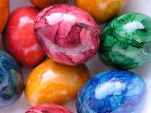 Пасха: Как правильно красить яйца