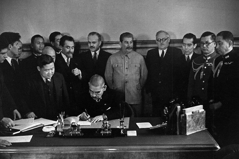 [27 сентября 1940 года] Германия, Италия и Япония подписали в Берлине Тройственный пакт